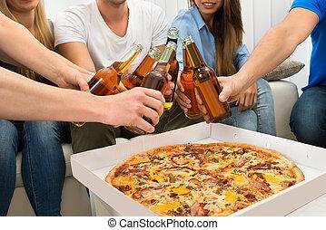 amici, birre, detenere, pizza