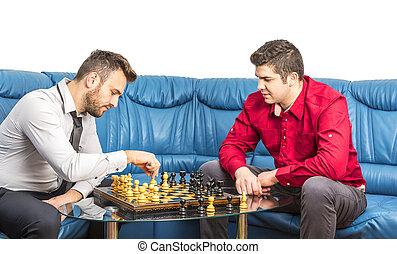 amici, gioco scacchi esegue