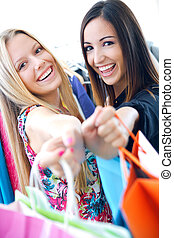 amici, shopping, due, insieme, giovane