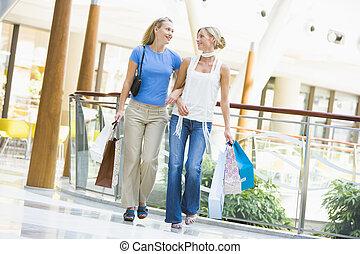 amigos, compras, juntos