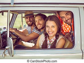 amigos, hipster, viagem, estrada