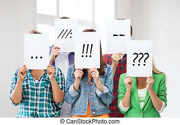 amigos, ou, estudantes, cobertura, caras, com, papeis