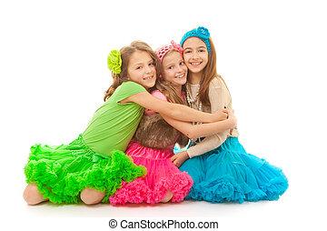 amigos que abrazan, sonriente, y, feliz