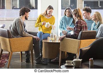 amigos, tendo, chá tarde, em, um, café