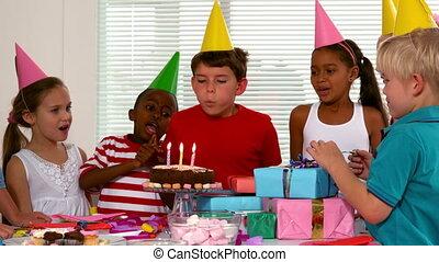 amis, anniversaire, célébrer