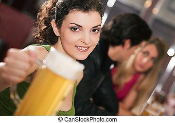 amis, boire, bière, dans, barre