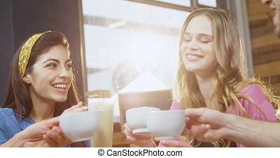 amis, café, grillage, tasses, groupe, 4k
