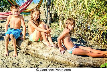amis, gosses, plage, trois, séance