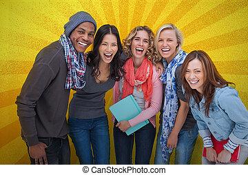 amis, poser, groupe, gai, ensemble