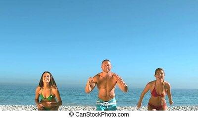 amis, séduisant, sauter, plage