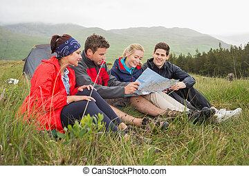 amis, voyage, herbe, camping, regarder, carte, séance