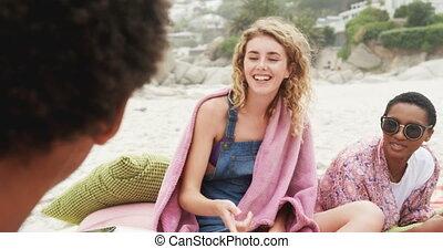 amis, vue, chanson chanteur, caucasien, plage, femme,...