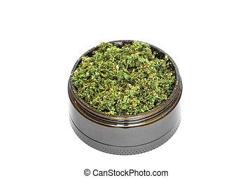 amoladora, con, aplastado, brotes, de, marijuana, mala hierba, cannabis, aislado, blanco, plano de fondo