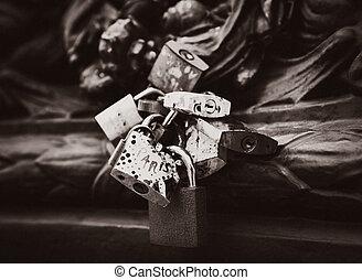 amor, cerraduras, en, parís, francia