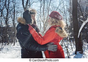 amor, inverno, sendo, par, neve, abraçando, gelado, dia