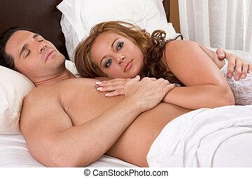 amoroso, joven, desnudo, erótico, sensual, par en cama