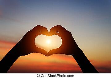 amour, main, coucher soleil, pendant, silhouette, sentiment,...