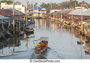 amphawa floating market in thailand - view on amphawa ...