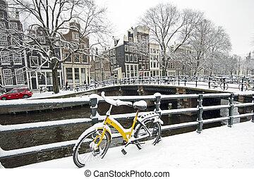 Amsterdão, Países Baixos, Inverno, nevado