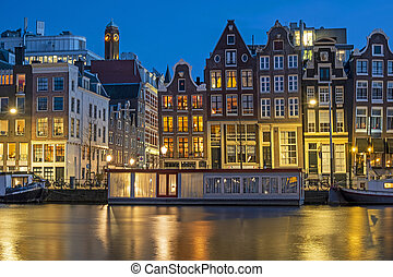Amsterdam houses and house boats along the Amstel in ...