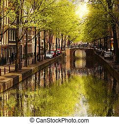 amsterdam, mit, grün, kanal, in, der, stadtzentrum, netherlands