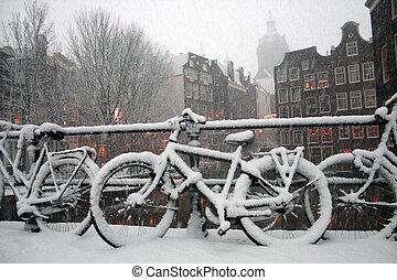 amsterdam, scena inverno