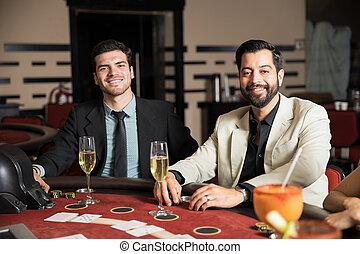 amusement, amis, casino, mâle, avoir