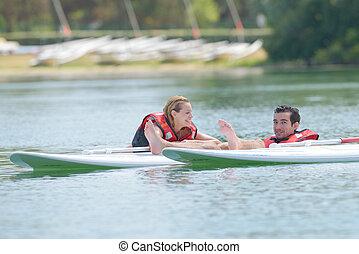 amusement, couple, avoir, planches surf