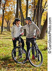 amusement, couple, vélo, avoir