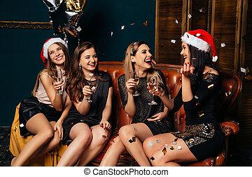 amusement, femmes, apprécier, noël, avoir, boissons