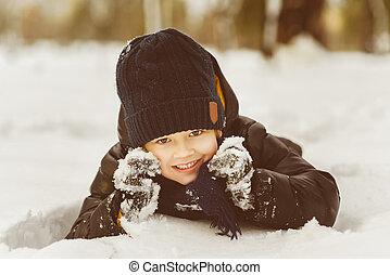 amusement, garçon, peu, neige, avoir