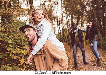 amusement, heureux, amis, forêt, avoir