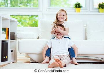 amusement, heureux, soeur, avoir, petit frère, maison
