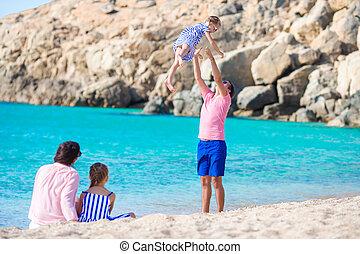 amusement, plage, jeune famille, avoir