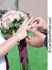 anéis casamento, cerimônia, câmbio