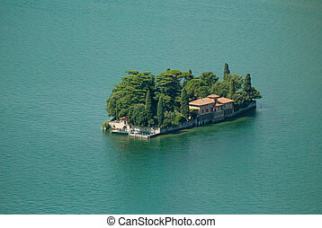 An island in the middle of the lake