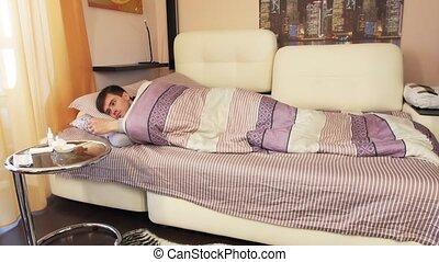 ana, équipez course, malade, nez, chambre à coucher, éternue