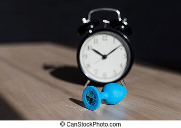 anal, tiempo, azul, enchufe, reloj, de madera, pleasures., ...
