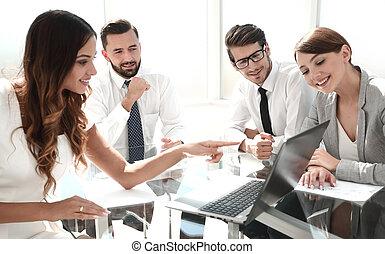 analisando, data., financeiro, equipe negócio