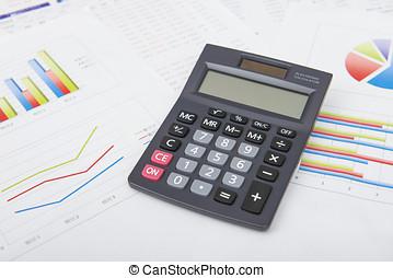 analizar, financiero, datos, en, tableta de digital, y, contar, en, calculadora