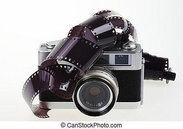 Analog camera and photographic film