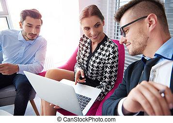 analysieren, neu, ergebnisse, auf, der, laptop