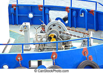 Anchor winch with chain - Anchor winch mechanism with chain...