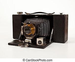 ancien appareil photo vue c t antiquit isol appareil photo de stock rechercher. Black Bedroom Furniture Sets. Home Design Ideas
