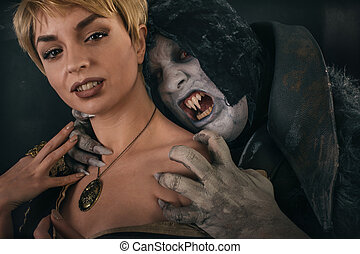 ancien, monstre, neck., halloween, démon, vampire, fantasme, femme, morsures