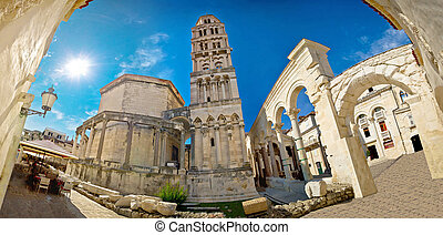 Ancien old Roman square in Split - Ancien old Roman queen...