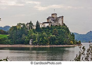 Ancient castle Dunajec in Nedzice, Poland