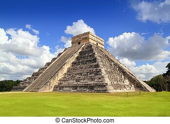 Ancient Chichen Itza Mayan pyramid temple Mexico - Ancient...