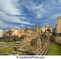 Ancient Greek APOLLO'S TEMPLE . Syracuse (Siracusa, Sarausa)-- historic city in Sicily, Italy