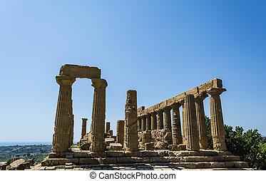 Ancient Greek Temple of Juno God, Agrigento, Sicily, Italy -...